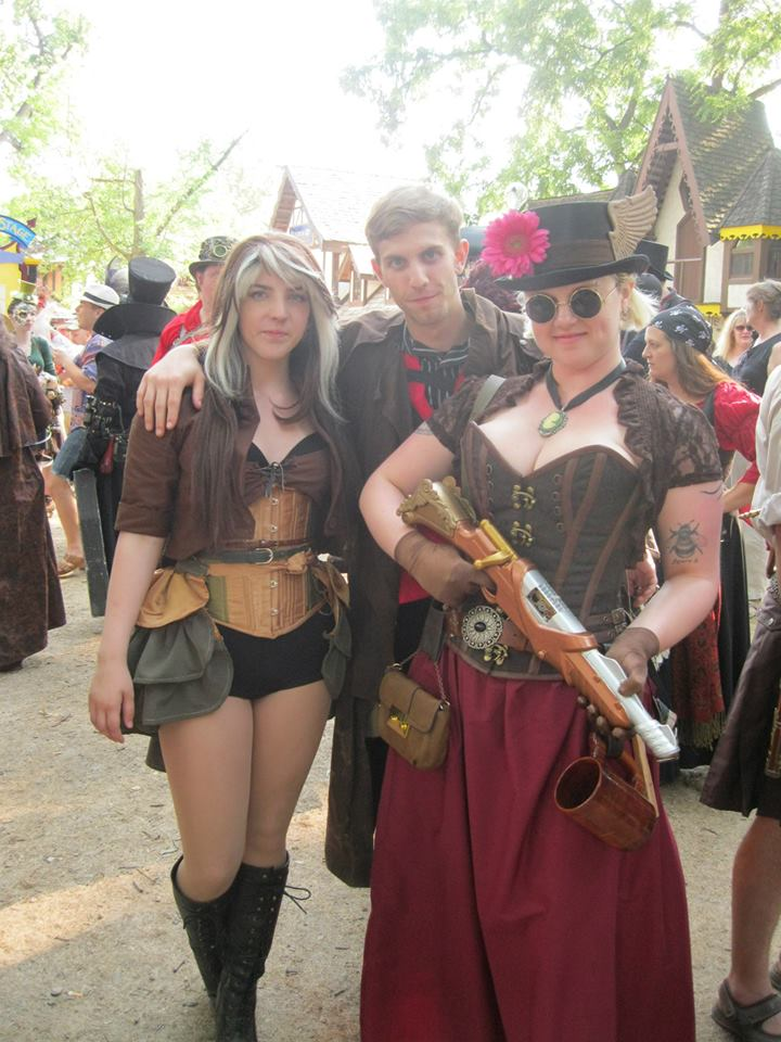 rogue and gambit  sc 1 st  Retcon Punch & Steampunk Superhero Cosplay at the Bristol Renaissance Faire ...